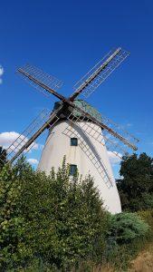 Windmühle entlang des Weser-Radwegs